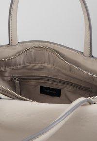 comma - HOLD ON HANDBAG - Handbag - lightgrey - 3