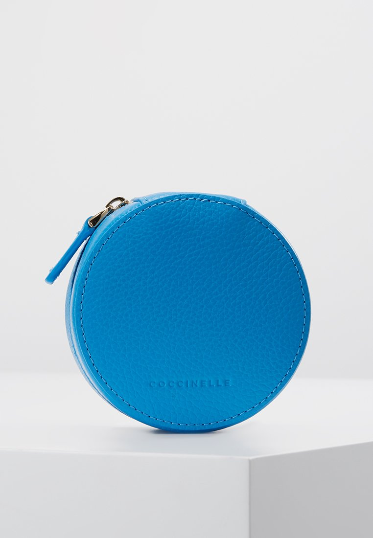 Coccinelle - TRAVEL BEAUTY - Trousse de toilette - signal bleu