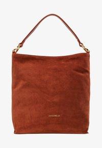 Coccinelle - ARLETTIS - Tote bag - mars dust - 6