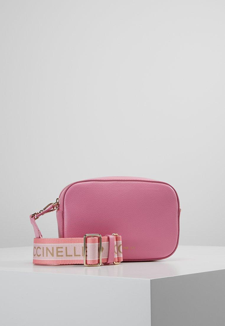 Coccinelle - EXCLUSIVE TEBE - Across body bag - bubb gum