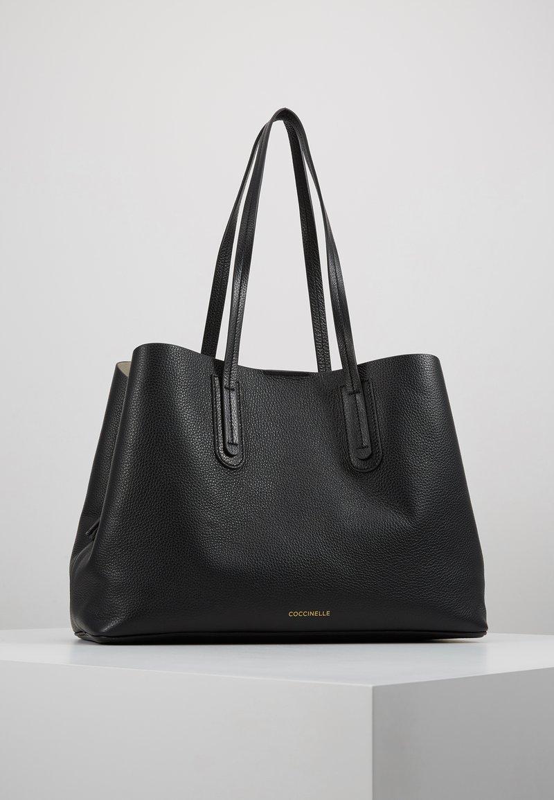 Coccinelle - DIONE - Handtasche - noir