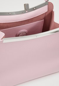 Coccinelle - RIZZO - Kabelka - graceful pink - 4