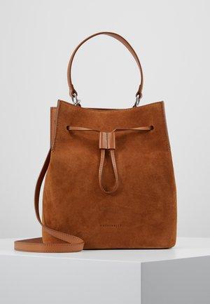 SANDY - Håndtasker - caramel