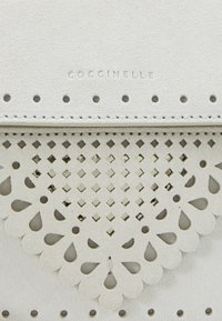 Coccinelle - Handbag - blanche - 7