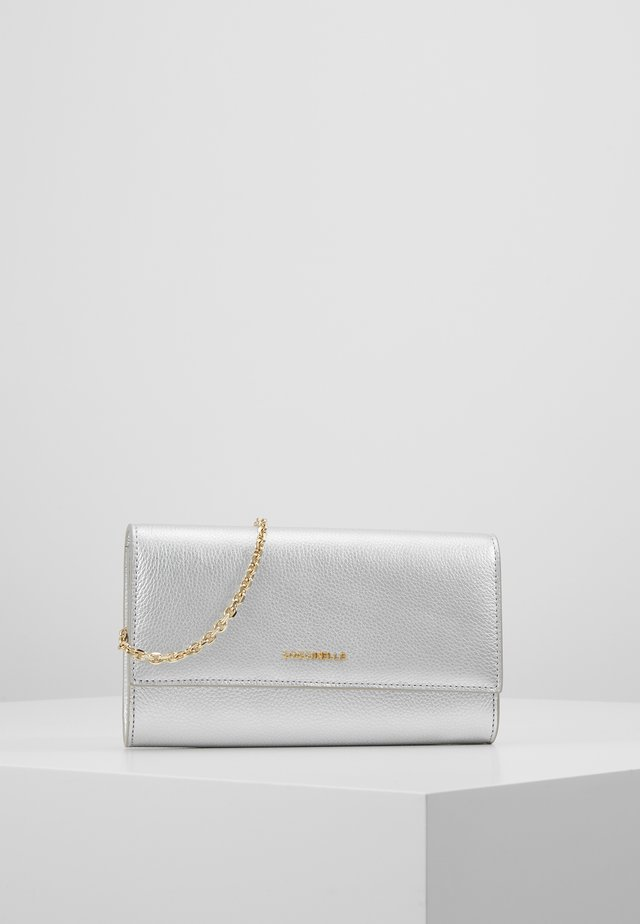 SOFT - Wallet - silver