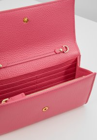 Coccinelle - SOFT - Wallet - glossy pink - 4