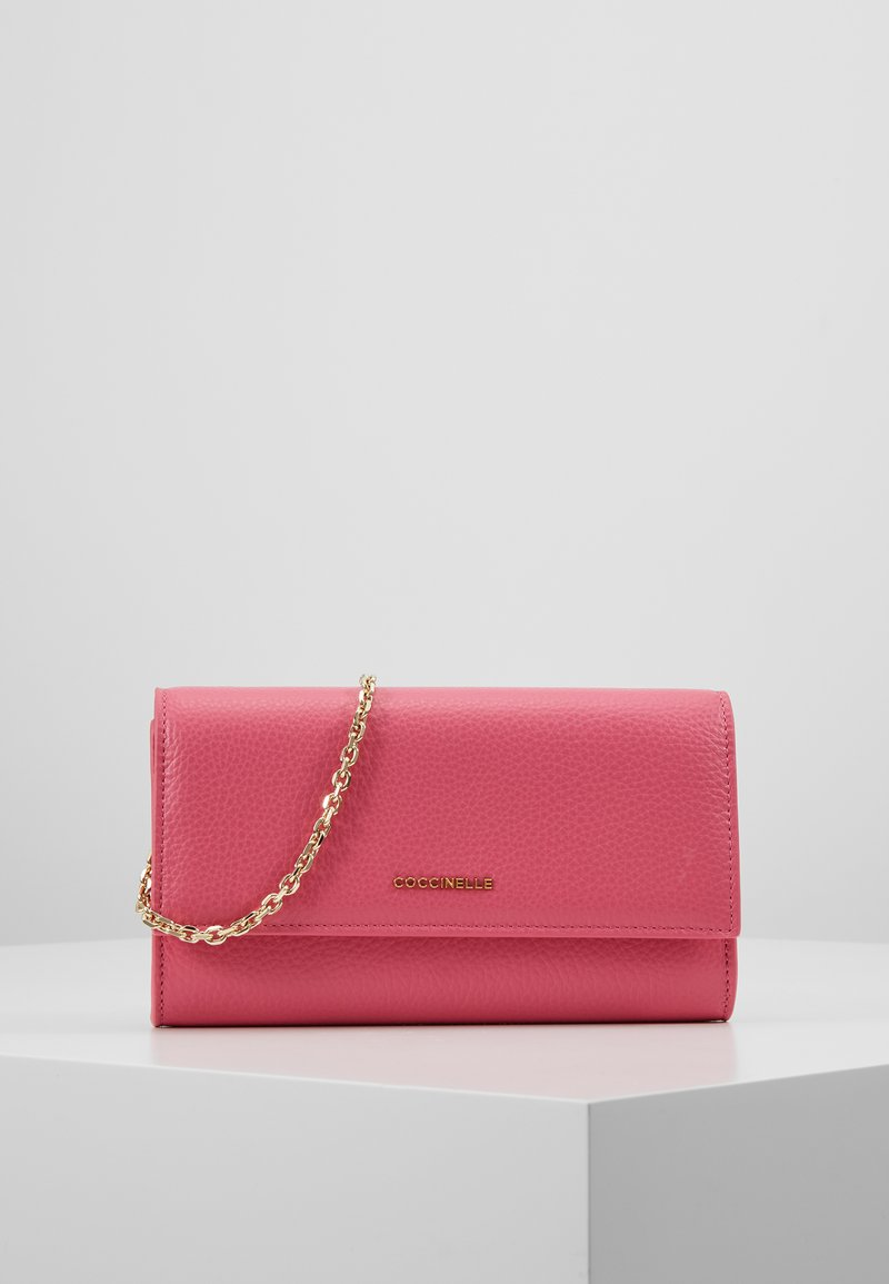 Coccinelle - SOFT - Wallet - glossy pink