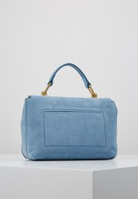 Coccinelle - LIYA MINI SATCHEL - Torebka - denim - 2
