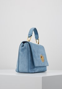 Coccinelle - LIYA MINI SATCHEL - Torebka - denim - 3