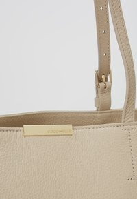 Coccinelle - Shopping Bag - seashell - 6