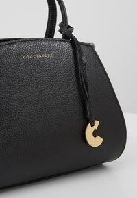 Coccinelle - CONCRETE HANDBAG - Handbag - noir - 6