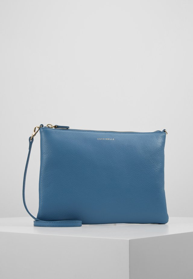 BEST CROSSBODY SOFT - Clutch - denim