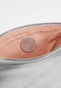 Coccinelle - NEW BEST SOFT - Clutch - silver - 4