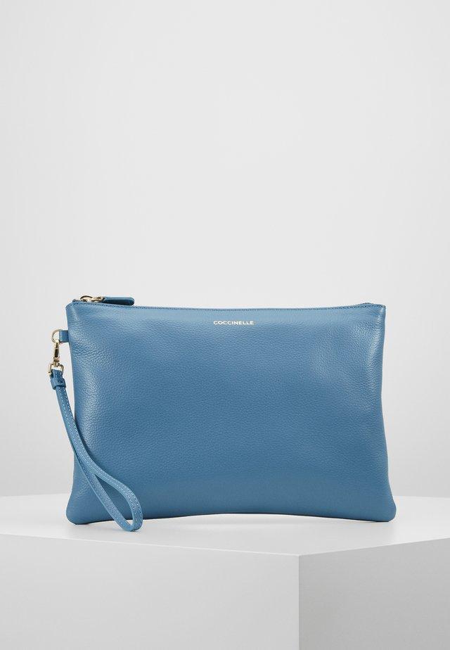 NEW BEST SOFT - Pochette - blue