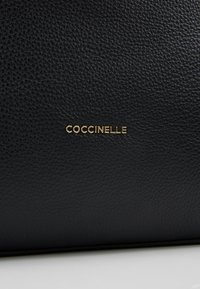 Coccinelle - ARLETTIS - Håndveske - noir - 5