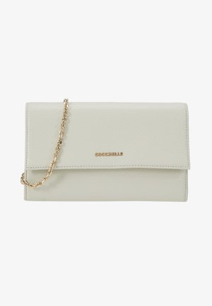 METALLIC SOFT CLUTCH - Pikkulaukku - chalk