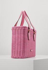 Coccinelle - BORSA  - Handbag - gum - 4