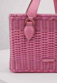 Coccinelle - BORSA  - Handbag - gum - 2