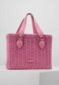 Coccinelle - BORSA  - Handbag - gum - 0