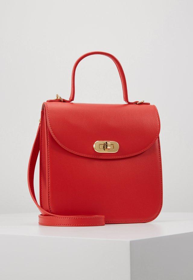 BORSA PELLE - Handväska - polish red