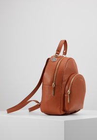Coccinelle - ALPHA MINI BACKPACK - Reppu - tan - 4