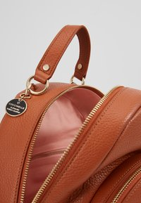 Coccinelle - ALPHA MINI BACKPACK - Reppu - tan - 5