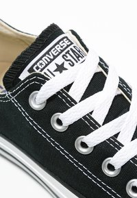 Converse - CHUCK TAYLOR ALL STAR OX - Matalavartiset tennarit - black - 5