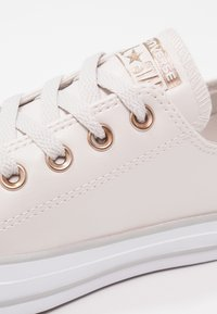 Converse - CHUCK TAYLOR ALL STAR  - Tenisky - pale putty/white/mouse - 6