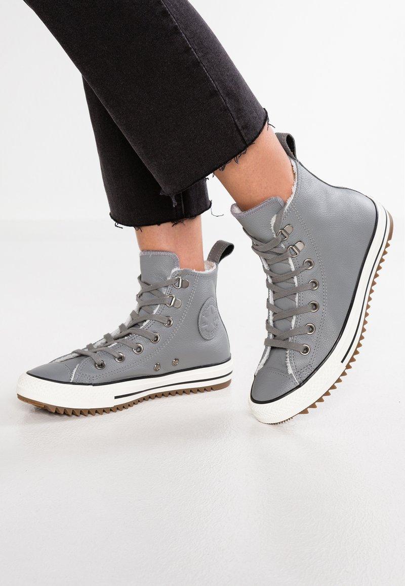 Converse - HIKER  - Sneakers hoog - mason/egret