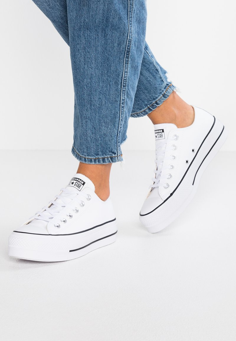 Converse - CHUCK TAYLOR ALL STAR LIFT CLEAN - Trainers - white/black