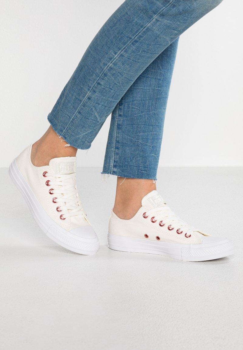 Converse - CHUCK TAYLOR ALL STAR  - Tenisky - egret/rhubarb/white