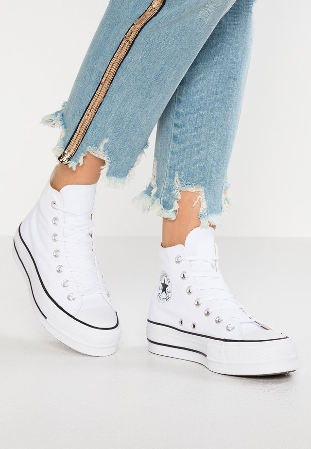 CHUCK TAYLOR ALL STAR LIFT - Korkeavartiset tennarit - white/black