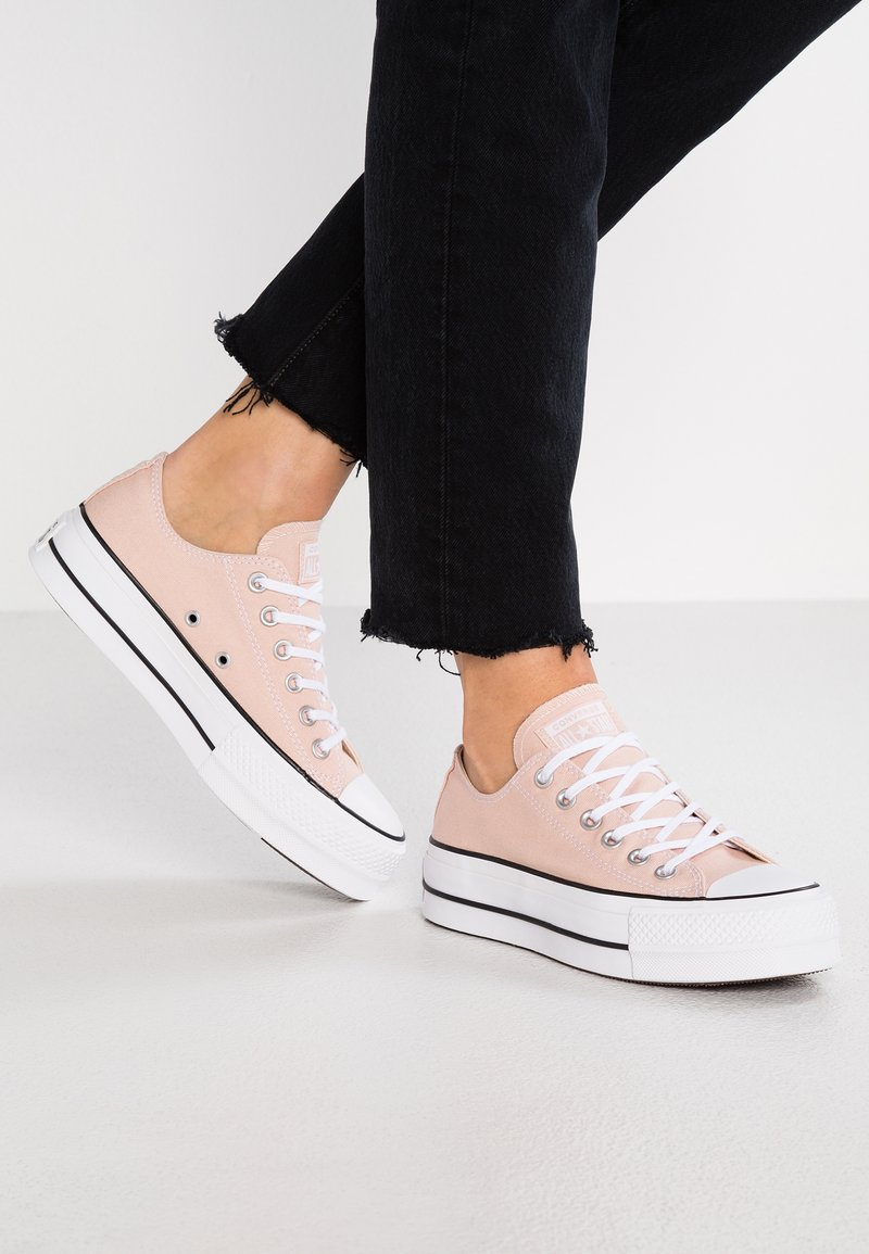 Converse - CHUCK TAYLOR ALL STAR LIFT - Sneakers laag - particle beige/white/black