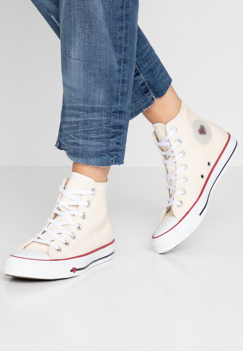 Converse - CHUCK TAYLOR ALL STAR - High-top trainers - natural/black/garnet
