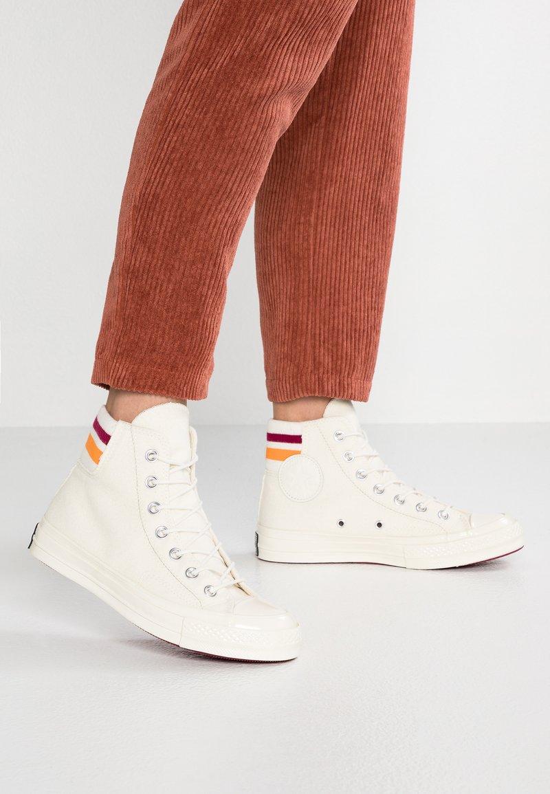 Converse - CHUCK 70 - High-top trainers - egret/rhubarb/orange rind