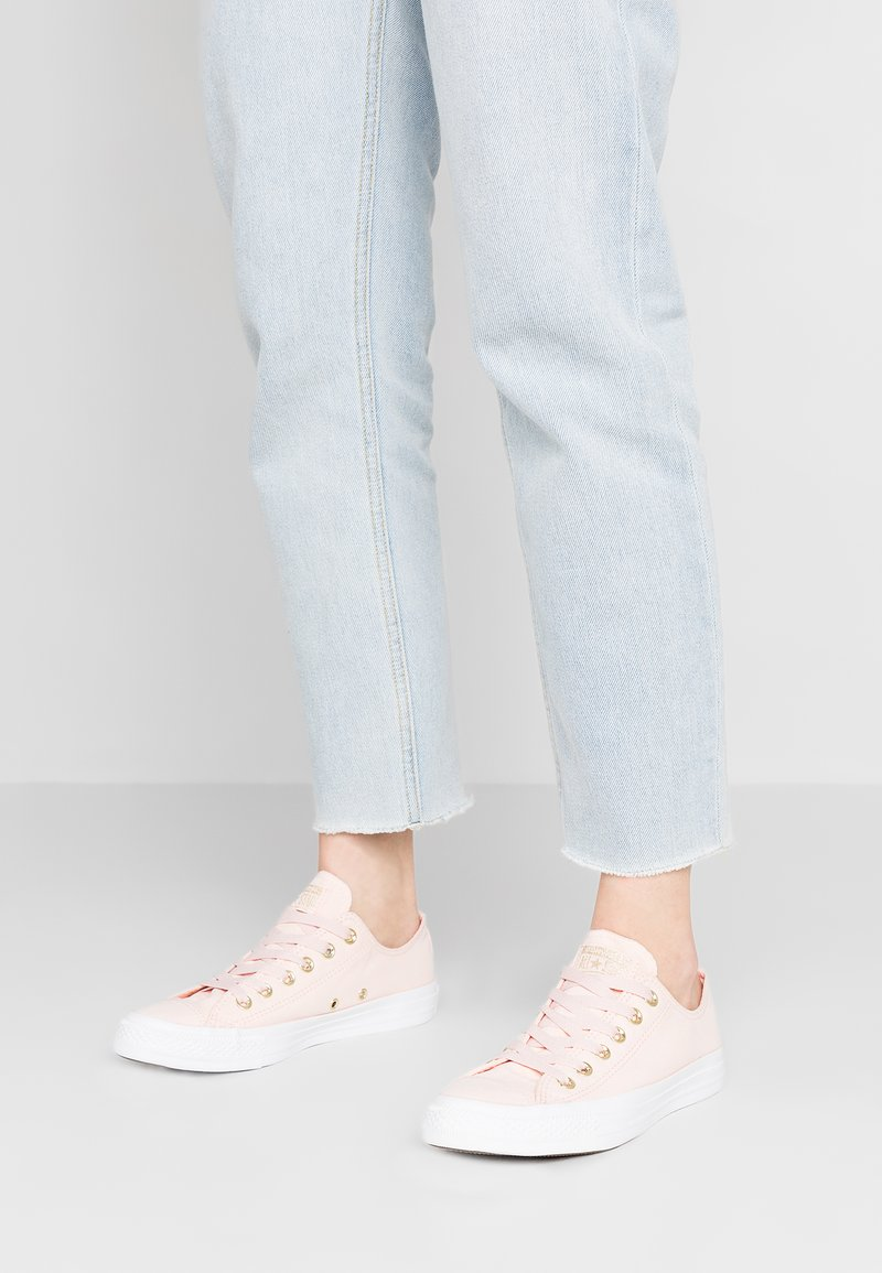 Converse - CHUCK TAYLOR ALL STAR - Sneaker low - washed coral/white