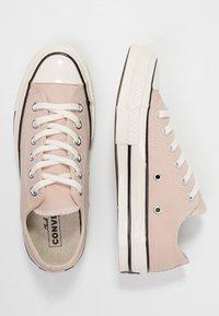 Converse - CHUCK 70 - Sneakersy niskie - particle beige/black/egret - 3