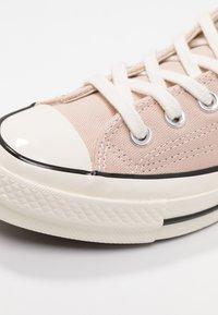 Converse - CHUCK 70 - Sneakersy niskie - particle beige/black/egret - 2