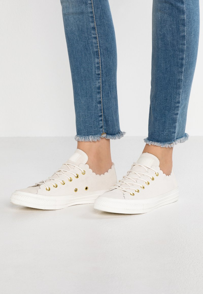 Converse - CHUCK TAYLOR ALL STAR - Sneaker low - egret/gold