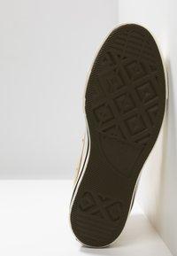 Converse - CHUCK 70 - Sneaker high - club gold/egret/black - 6