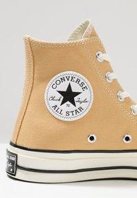 Converse - CHUCK 70 - High-top trainers - club gold/egret/black - 2