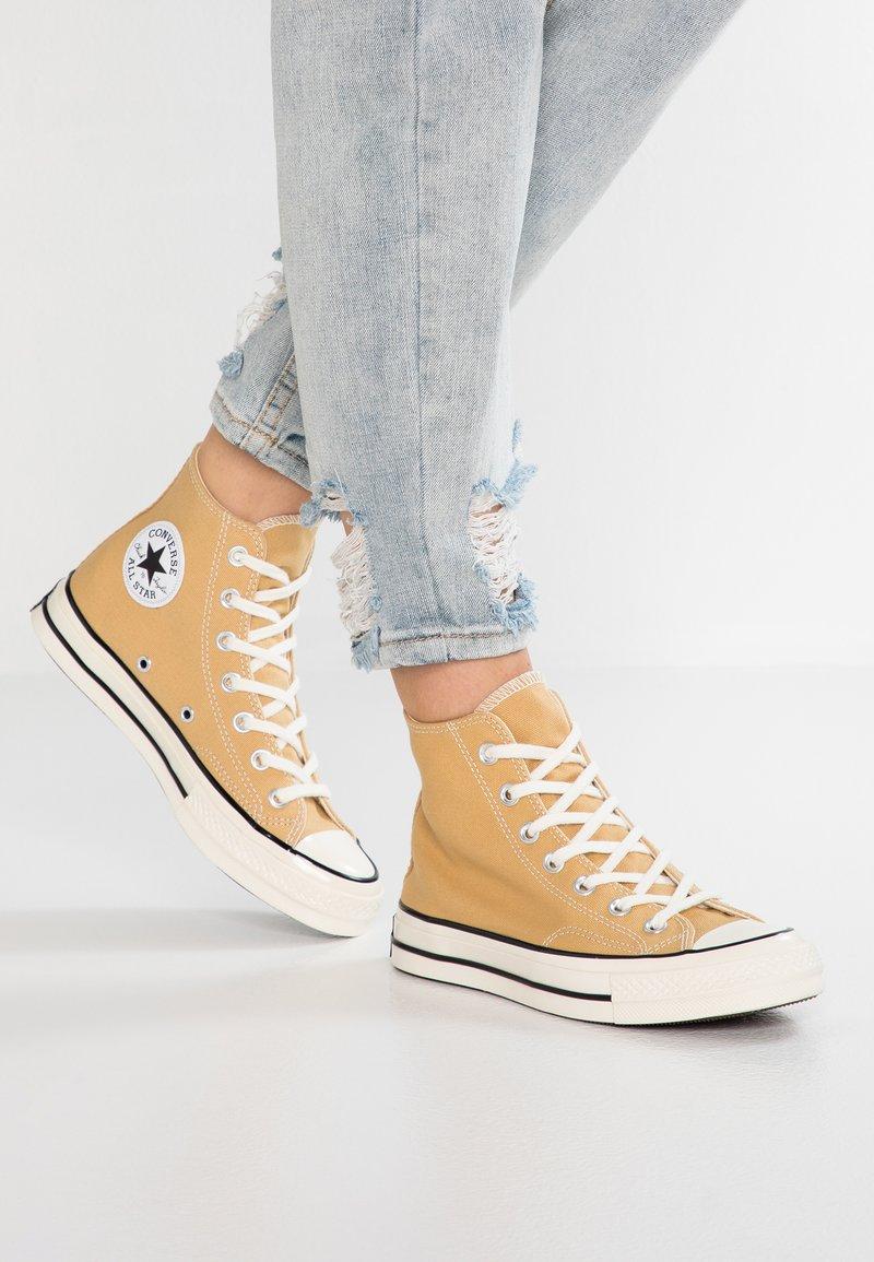 Converse - CHUCK 70 - Sneaker high - club gold/egret/black