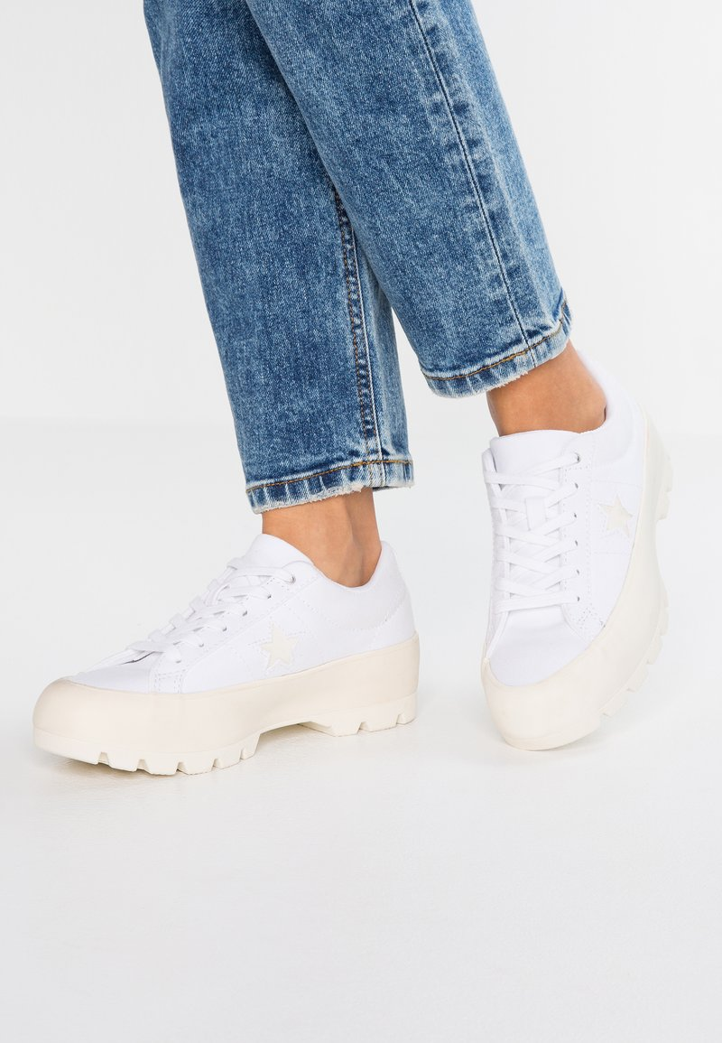 Converse - ONE STAR LUGGED - Sneakers - white/egret