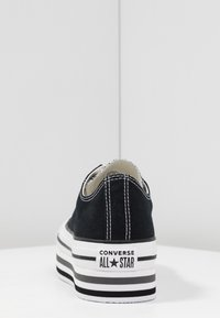 Converse - CHUCK TAYLOR ALL STAR PLATFORM LAYER - Sneakers laag - black/white/thunder - 5