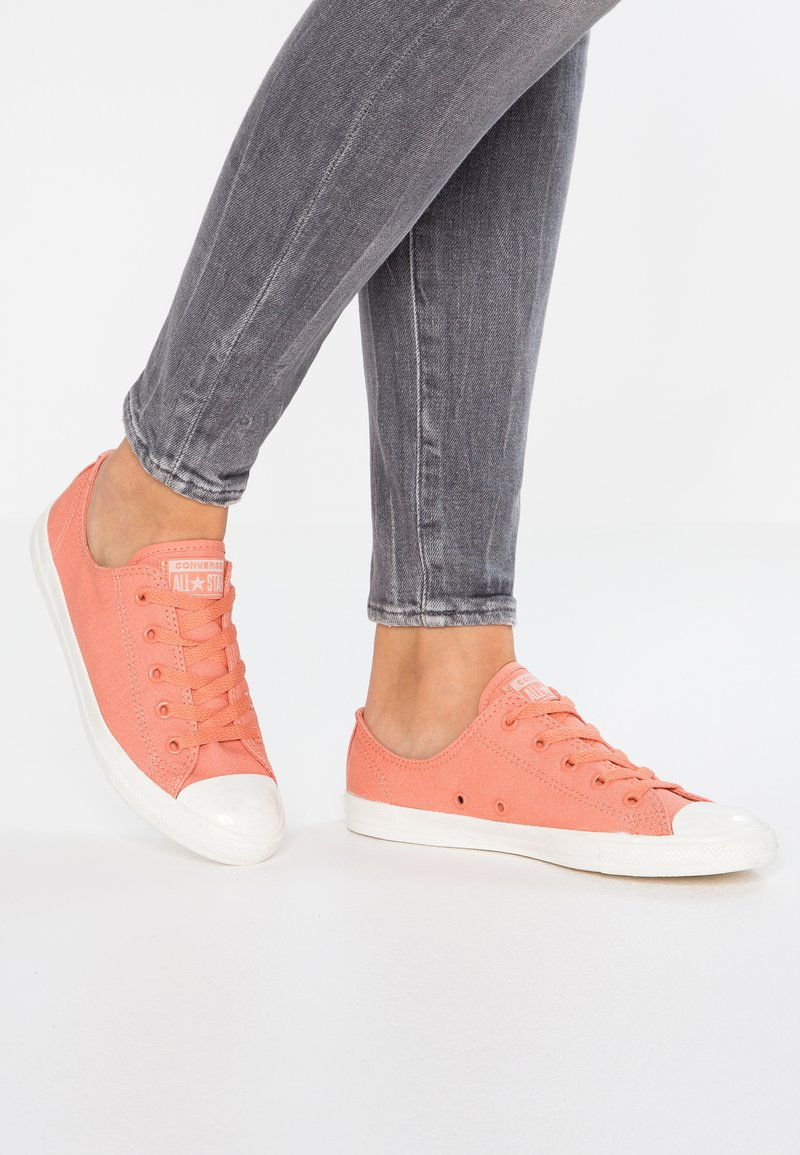 Converse - CHUCK TAYLOR ALL STAR DAINTY - Zapatillas - desert peach/particle beige