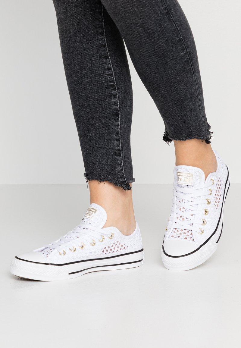 Converse - CHUCK TAYLOR  - Tenisky - white/black