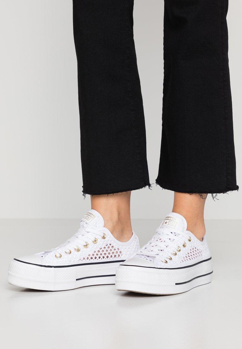 Converse - CHUCK PLATFORM - Baskets basses - white/black