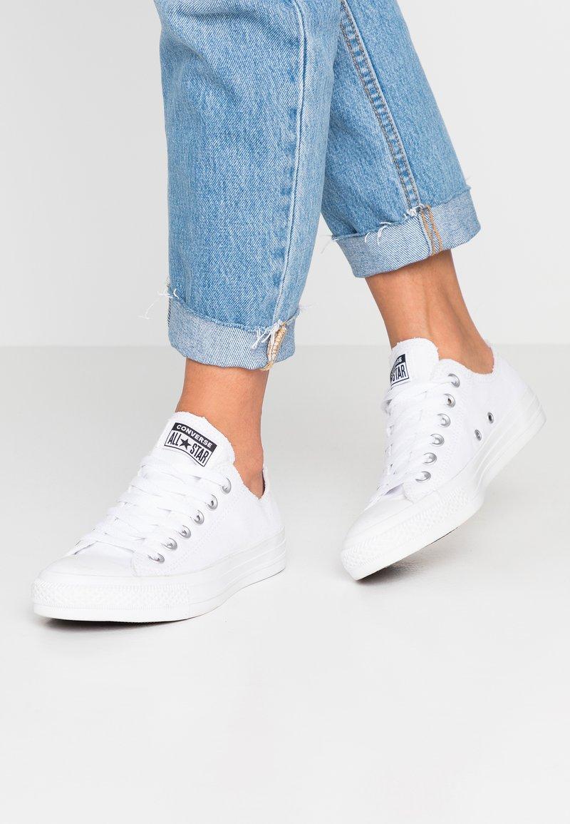 Converse - CHUCK TAYLOR - Sneaker low - white