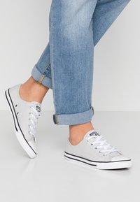Converse - DAINTY - Sneaker low - mouse/white/black - 0