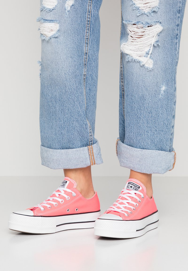 Converse - CHUCK PLATFORM - Sneaker low - racer pink/white/black